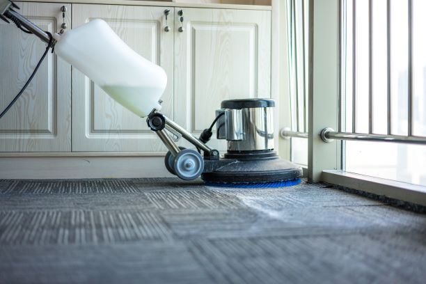 Cleaning dirty carpet using a commecial shampoo cleaning machine